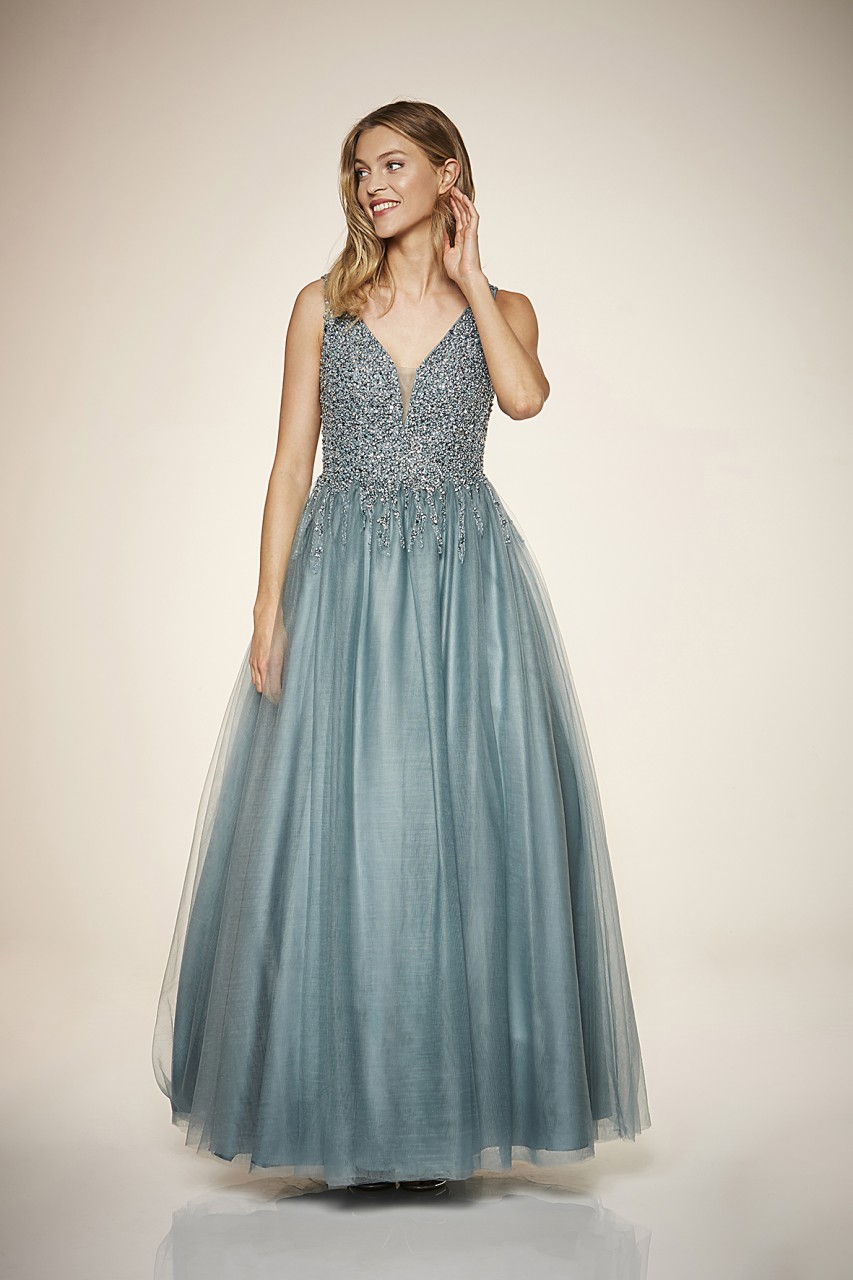 Give a Glam Dress
