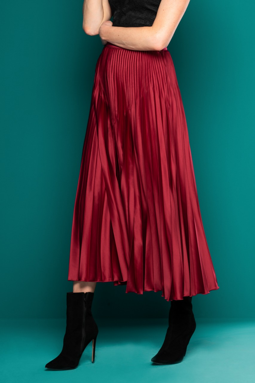 SOLID PLEATED MAXI SKIRT