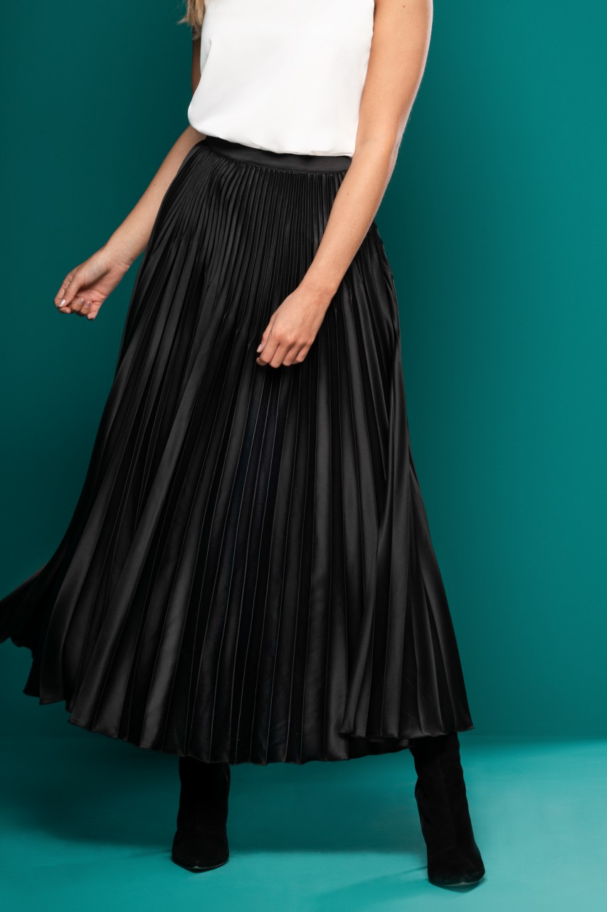 SOLID PLEATED ANKLE SKIRT